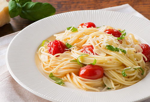 Thin Spaghetti Cherry Tomato Toss